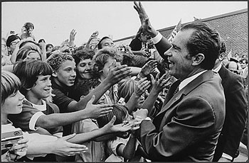 Richard_Nixon_greeted_by_ch.jpg